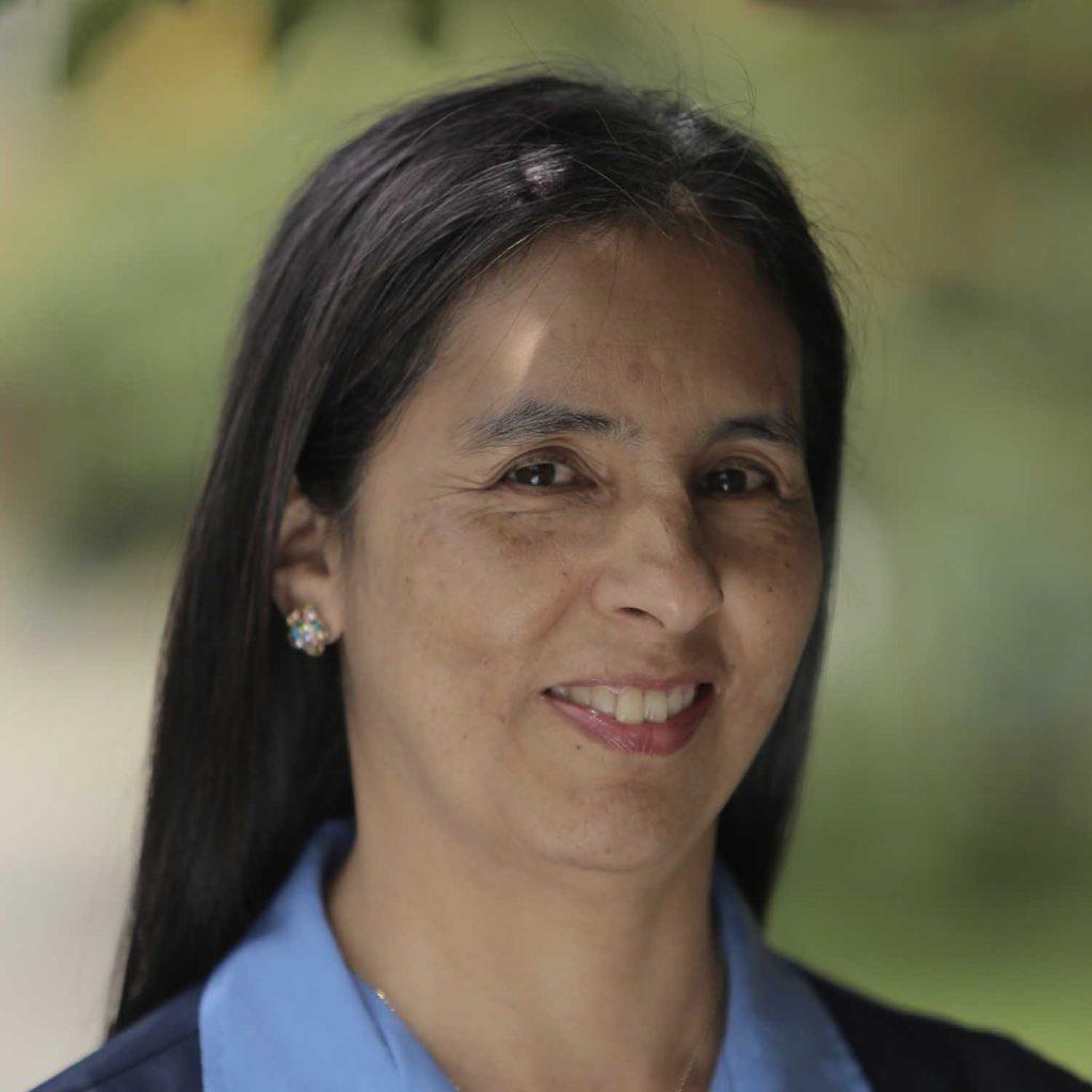 co_0005_Pilar-Rueda-Secretaria-Académica.-Equipo-del-colegio1-1024x1024